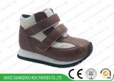 Brown/gris badine les chaussures en cuir de sports orthopédiques d'enfants de chaussures de course