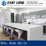 Partie supérieure du comptoir Polished de pierre de quartz de veine de marbre pour conçu/cuisine avec la surface solide