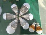 Dissipador de calor de alumínio do bulbo de lâmpada do diodo emissor de luz por muito tempo Using a vida
