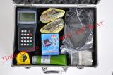 Un insieme del contatore tenuto in mano ultrasonico per liquido di misurazione