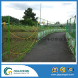 PVCによって塗られる曲がる溶接された金網の塀
