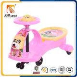 Carro feito sob encomenda do balanço do bebê com as rodas do mudo do silicone