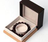 Изготовленный на заказ Будда отбортовывает коробку подарка с деревянным основанием