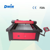 Down Tableの上のAutoの大型レーザーCutting Machine