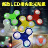 O diodo emissor de luz quente da mão da inquietação da venda ilumina giradores