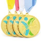Heißer Verkaufs-nach Maß Zink-Legierungs-Vergoldung-Karnevals-Sport-Preis-Medaillon-Medaille mit Farbband