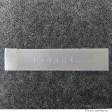 A cor clara feita sob encomenda computarizou o vestuário tecido das etiquetas da tela