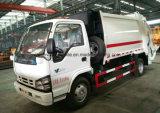 Isuzu 6の車輪5のM3コンパクターのごみ収集車トラック5トンの屑の
