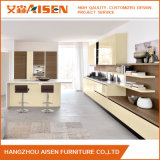 Armadio da cucina di legno della lacca del PVC di nuovo disegno fatto in Cina