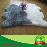 Coperte grige della pelliccia delle pecore di colore
