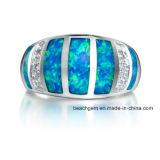 作成されたOpal純銀製の宝石類のリング