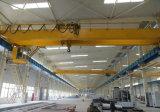 кран прогона двойника мостового крана вешалки Qd 5~50t надземный перемещая с машинным оборудованием электрической лебедки поднимаясь