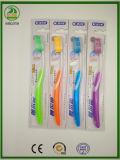 Transparente pp. mit Gummi- und Zunge-Reinigungsmittel Zahnbürste