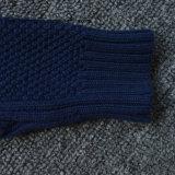 純粋なカラーステレオの編まれたパターンプルオーバーのセーター