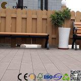 Decking composé en plastique en bois populaire l'Europe