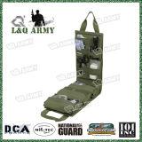 As forças armadas introduzem o bloco médico do saco do dae (dispositivo automático de entrada) do jogo com o indicador desobstruído do PVC