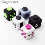 Juguetes mágicos plásticos del cubo del vario de los colores cubo de la persona agitada