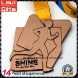 Фабрики медаль металла спорта марафона треугольника сразу 5k 10k