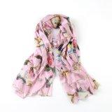 Poissons et fleur sur l'écharpe rose de cadeau de mode