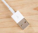 Cable del relámpago con transferencia y la carga de datos