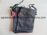 Bolsa negra de la gamuza con la escritura de la etiqueta de encargo para las lentes/las gafas de sol/teléfono