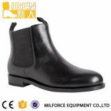 2017 Form schwarze Genuinw Kuh-Leder-Parade-Knöchel-Mann-Schuhe