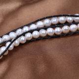 本革の覆いの淡水の真珠はブレスレットに玉を付ける