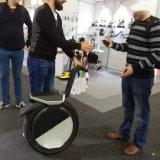Электрический один самокат Unicycle колеса балансируя с местом
