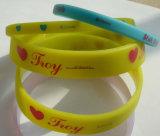 Sport-Armband-Form-Zubehör-Armband, kundenspezifischer Firmenzeichen Silicn Wristband
