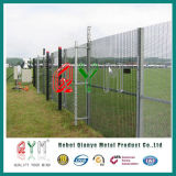 Le PVC a enduit la frontière de sécurité soudée galvanisée de haute sécurité du treillis métallique 358