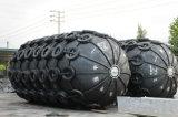 タイヤおよびArroundのチェーン膨脹可能なゴム製フェンダー