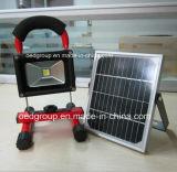 10W太陽電池パネルが付いている携帯用再充電可能なLEDの洪水ライト