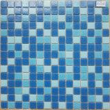 Mosaico de cristal azul profundo cuadrado tamaño pequeño del espesor 4m m para el diseño de la piscina