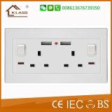 Plot BRITANNIQUE d'interrupteur d'alimentation de chargeur de mur de port USB 2 de troupe de la norme 2