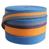 Correas del cáñamo en los colores teñidos para subir/las correas