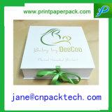 Rectángulo de joyería de empaquetado impreso aduana de la cartulina del rectángulo de regalo de la cinta del color