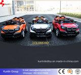 Veículos off-Road de quatro rodas dos carros elétricos dos miúdos