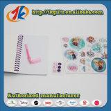 Pluma determinada y espiral - cuaderno encuadernado del gel del papel hermoso