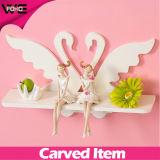 白い白鳥によって切り分けられるプラスチック装飾的な現代寝室の壁の棚
