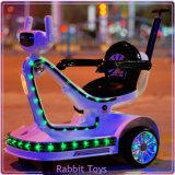 Véhicule en plastique de jouet pour la roue d'appareil d'éclairage de gosses