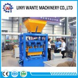 Qt4-24 Semi-Auto Block / Brick Making Machine avec faible investissement