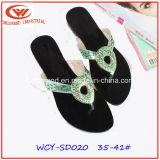 方法および高品質の女性のサンダルの靴
