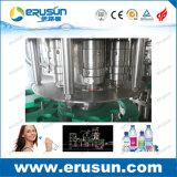 Garrafa de água mineral automática que enxágua a máquina Monobloc tampando de enchimento