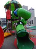 2014年の体操装置の子供の屋外の運動場