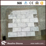 Mattonelle di mosaico di marmo bianche di Cararra del reticolo del mattone