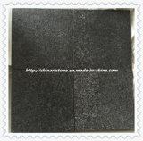 中国の灰色の黒い炎にあてられた性質の花こう岩の大理石の石の床タイル