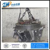 MW5-110L/2を入れるFurnanceのための電子磁石を持ち上げるクレーン