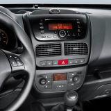 フィアットDoblo /Opel GPSプレーヤーのための車DVDの運行