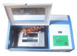 Mini máquina de grabado del laser del sello 3020 que busca el agente para el cuero de acrílico de madera