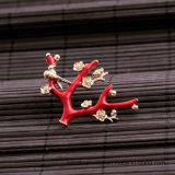De Juwelen van de Broche van de hete Vrouwen van de Vorm van de Bloem van de Manier van de Verkoop In het groot Rode